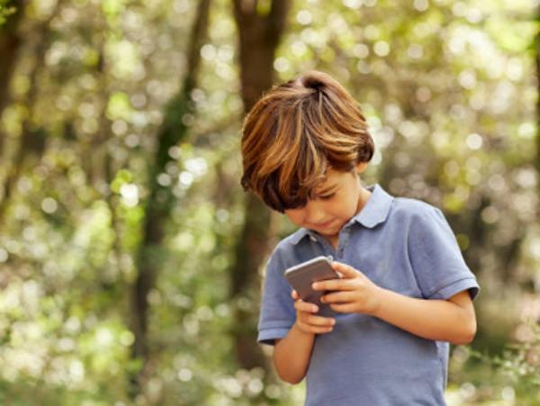 ¿A qué edad deben tener un móvil los niños?